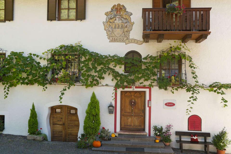 Popphof Fassade Eingang1